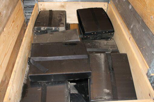 Brugte sorte fiberkasser 18 stk. med låg