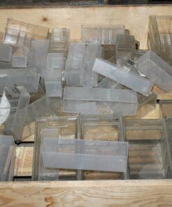 Brugte plastkasser i klar plast