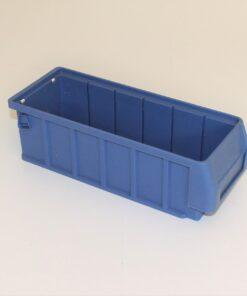 kasse i blå plast på 290x115x90mm