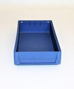 Kasse i blå plast_2