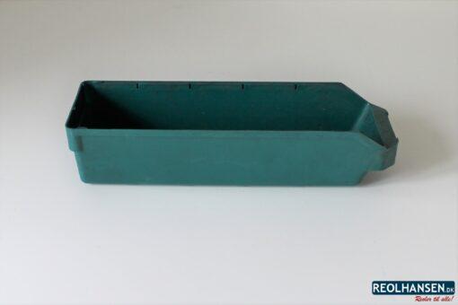 grøn plastkasse på 400x120x95mm