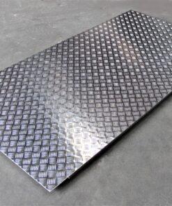 skridsikker dørkplade i aluminium
