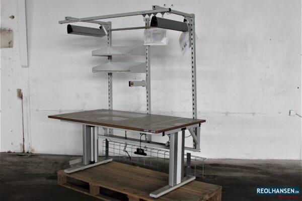Montagebord med lys og hæve/sænke funktion