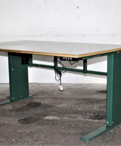 Hæve/sænke bord med grønt stel