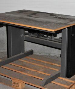 Hæve/sænke bord på 1100x800mm